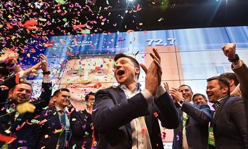 یوکرین کے مزاحیہ اداکار ملک کے صدر منتخب ہوگئے