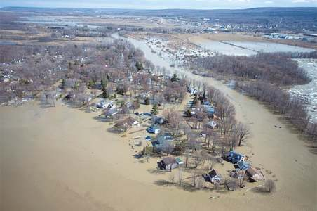 Extensive flooding in Canada forces evacuations