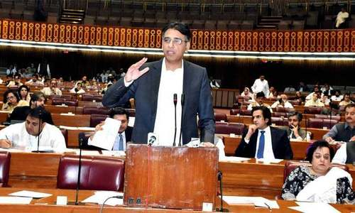 Asad Umar defends govt's policy decisions, lashes out at 'economic mafias' in NA