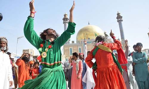 In Pictures: Devotees flock to Sehwan Sharif for Lal Shahbaz Qalandar's 767th urs