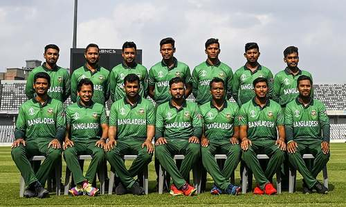 Bangladesh change World Cup strip after uproar over similarity with Pakistan kit