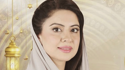 Sidra Iqbal takes on socio-religious issues in her Ramazan transmission
