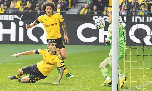 Bayern fail to clinch Bundesliga, Dortmund keep race alive