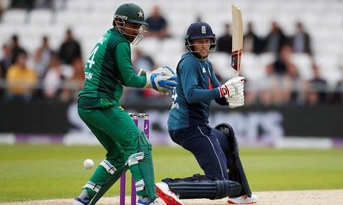 پانچواں ون ڈے: انگلینڈ کا پاکستان کو فتح کے لیے 352رنز کا ہدف