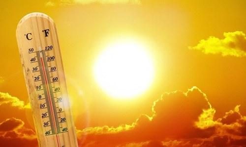 کراچی میں گرمی کی لہر جاری، درجہ حرارت 40 ڈگری تک جانے کا امکان
