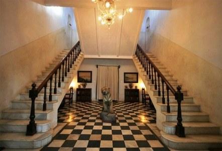 سیف علی خان کے اربوں روپے کا محل کیسا ہے؟