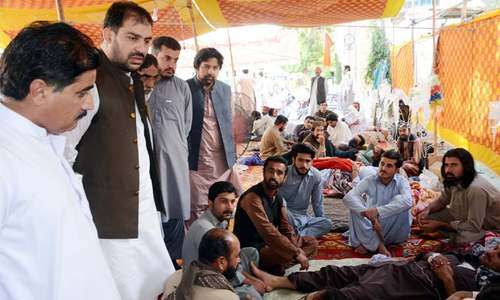 Unmoved by govt's offer, BDA workers continue hunger strike