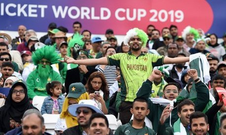 'Disastrous start': Pakistani Twitterati bemoan team's dismal batting in World Cup opening match