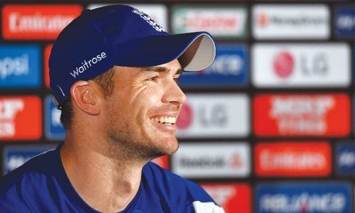 Booing Warner, Smith can backfire for England: Anderson