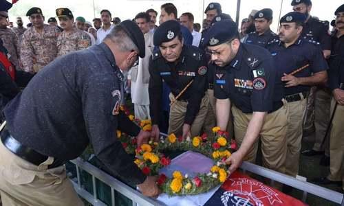 2 policemen martyred by unidentified gunmen in Karachi's Orangi Town