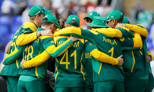 Proteas lose de Kock, du Plessis early in World Cup match against New Zealand