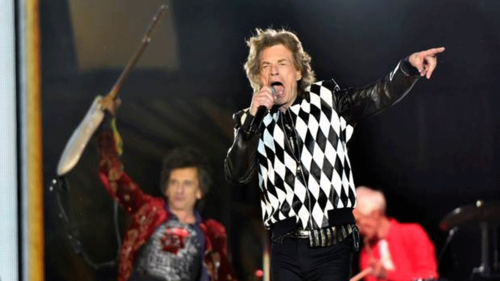 Mick Jagger makes loud return to stage post heart surgery