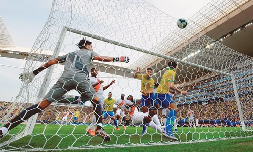 Brazil rout Peru to reach Copa quarters