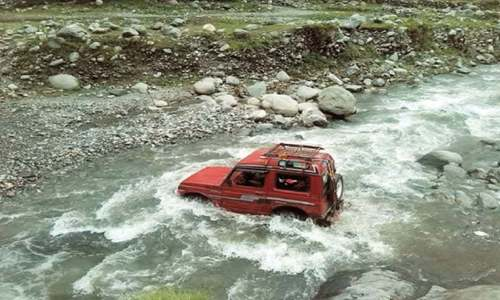 14 die as passenger jeep plunges into river