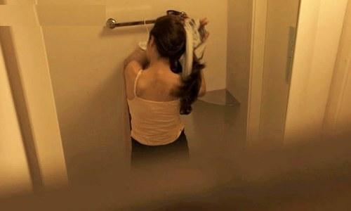 'بانڈ 25' کے سیٹ پر خواتین کے واش روم میں خفیہ کیمرا برآمد