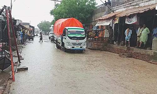 Widespread rains lash many towns of Thar and Badin districts