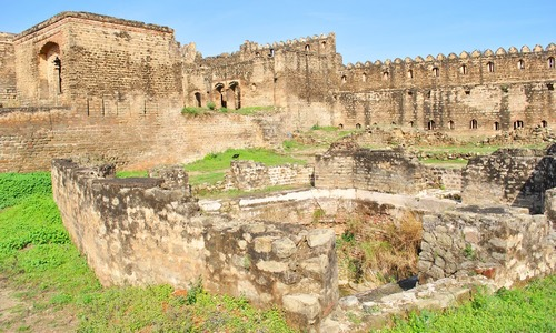 Hindu council delegation visits ancient temple site in AJK