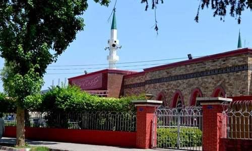 لال مسجد کے خطیب کو ہٹادیا گیا، مولانا عبدالعزیز کے داخلے پر بھی پابندی