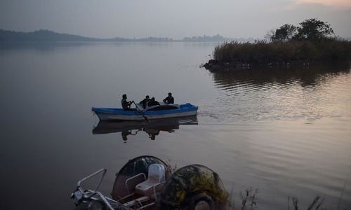 Boat operators ignore safety measures at Rawal Lake