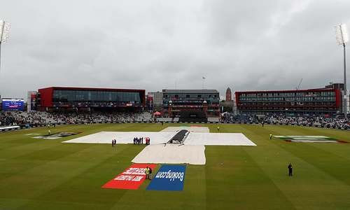 World Cup semi-final between New Zealand and India deferred after no let up in rain