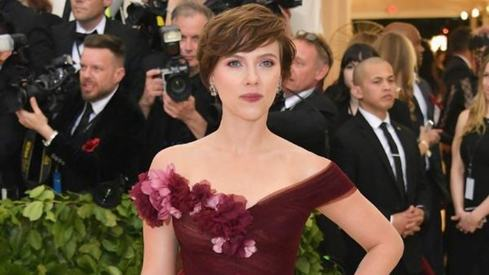 I should be allowed to play any person, tree or animal, says Scarlett Johansson