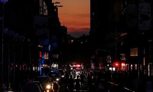 Power restored after blackout disrupts Manhattan