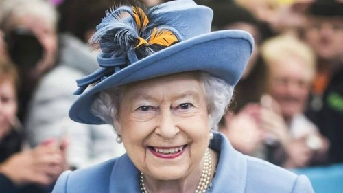 Queen salutes winners in tweet
