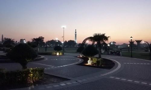 لاہور بہت زیادہ ترقی اور کراچی بہت زیادہ پیچھے جاچکا ہے'