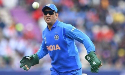دھونی بھارتی ٹیم کی اولین ترجیح نہ رہے، ریٹائرمنٹ لینے کیلئے دباؤ
