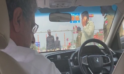 ایل این جی کیس میں سابق وزیراعظم شاہد خاقان عباسی  گرفتار