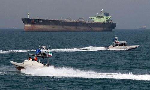 ایران نے تیل کی اسمگلنگ پر غیرملکی جہاز قبضے میں لے لیا