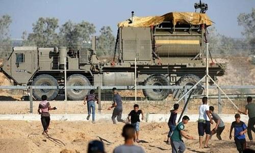 غزہ: اسرائیلی فوج کی فلسطینی مظاہرین پر فائرنگ، 98 زخمی