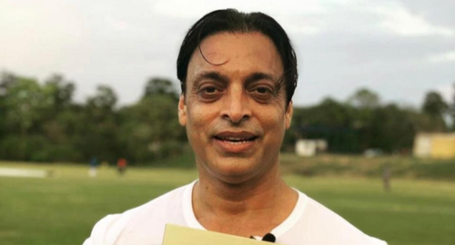 Shoaib Akhtar gets a YouTube Golden Play Button for reaching 1 million subscribers