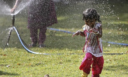 150 million Americans suffer as stifling heat wave tightens grip