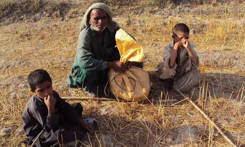 'بڑوں کے قبرستانوں کے لیے بچوں کو بھوکا تو نہیں مارا جاسکتا''