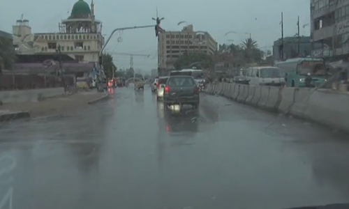 Rains paralyse business in Karachi