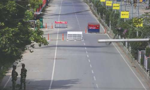 Srinagar turned into a maze of razor wire and steel barriers