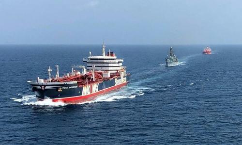 امریکی عدالت نے ایرانی تیل بردار جہاز تحویل میں لینے کے وارنٹ جاری کردیے