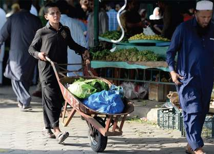 Shopkeepers, customers have no alternatives after plastic bag ban