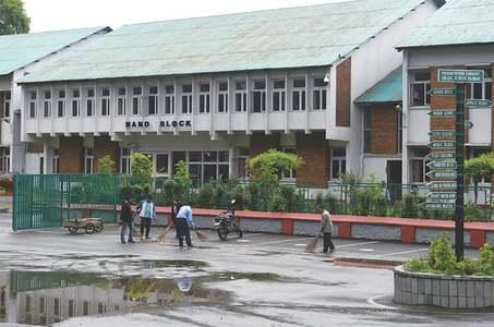 Schools reopen in held Kashmir, but remain deserted