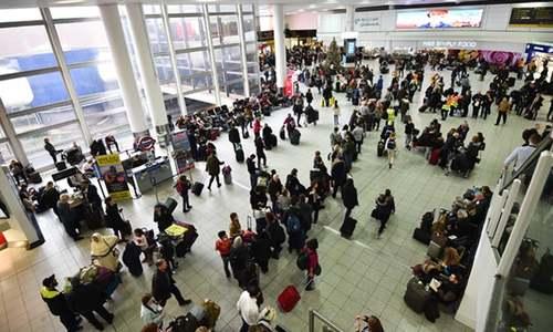 برطانیہ: ایئرپورٹس پر سیکیورٹی کے نام پر مسلمانوں کو روکنے کے 4 لاکھ واقعات