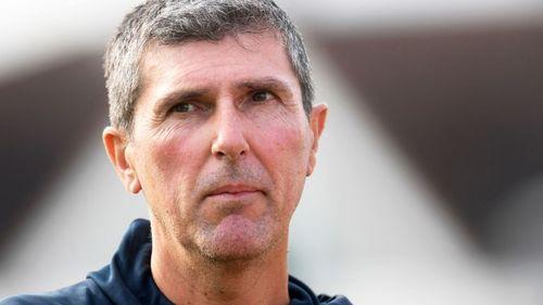 Robinson quits as England women's team coach