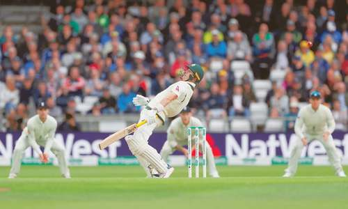 Harris, Khawaja fall amid showers in third Ashes Test