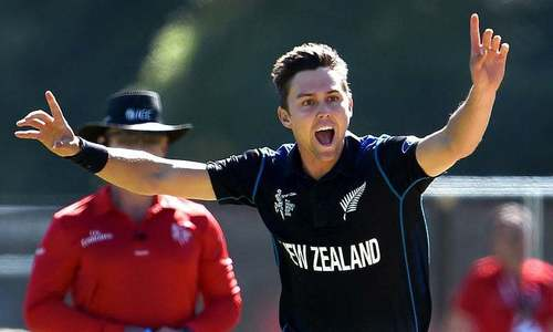 Boult, Southee rattle Sri Lanka on rain-hit day