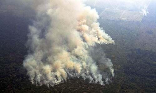 ایمیزون کے جنگلات میں مزید سیکڑوں مقامات پر آگ بھڑک اٹھی