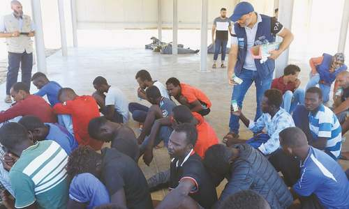 40 migrants feared drowned as boat capsizes off Libya