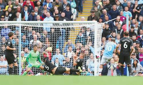 City go top as United, Chelsea drop points