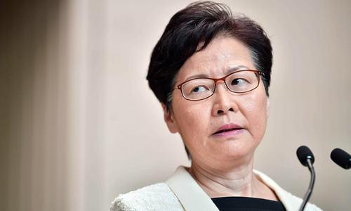Hong Kong leader scraps loathed extradition law
