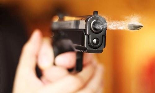 'کسی سرکاری افسر کو رشوت لیتا دیکھیں تو گولی ماردیں'