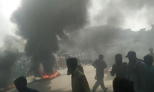 قصور: 4 بچوں کا ریپ اور مبینہ قتل کے بعد علاقہ مکینوں کا پرتشدد مظاہرہ